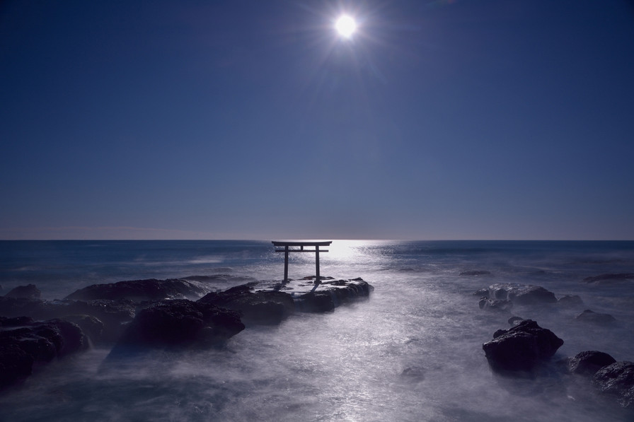 170215_i_am_the_sun
